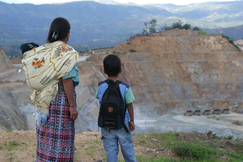 AMAZONÍA MASATO O PETRÓLEO. AperiCinema, cinema e cucina latinoamericani per un'ecologia integrale