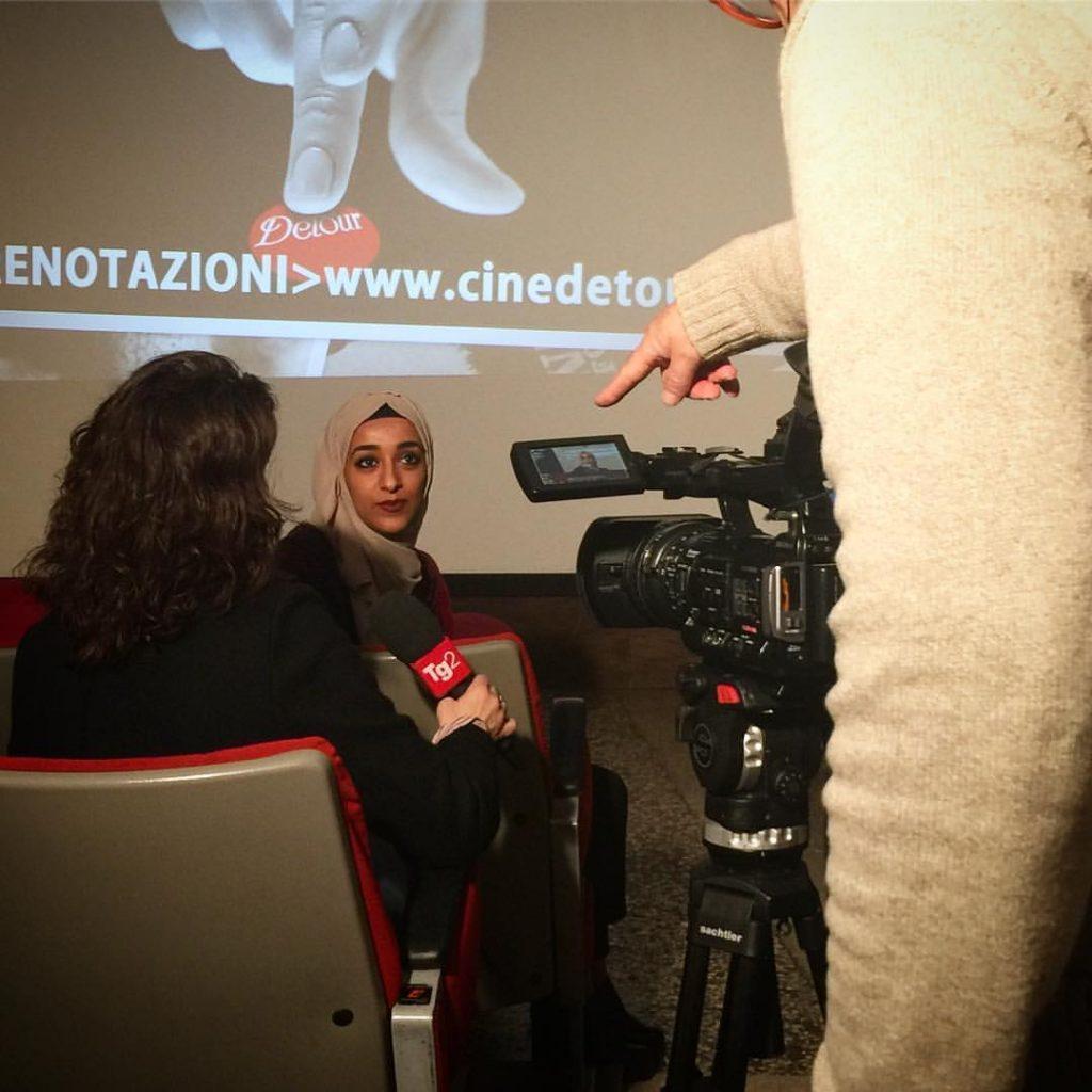"Intervista RAI a Takoua Ben Mohamed - ""Porto il velo adoro i Queen"""
