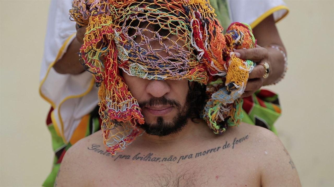 ENTRE OS HOMENS DE BEM [I documentari di INTERNAZIONALE]